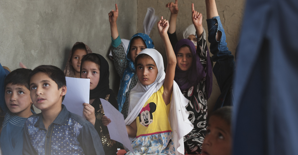 These actors fighting for girls' education in Afghanistan : focus on Ofarin