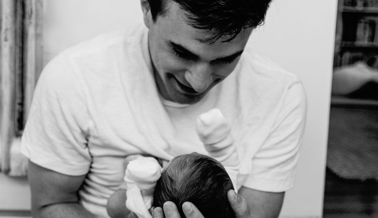 Child well-being & inequalities in France: the struggles behind paternity leave